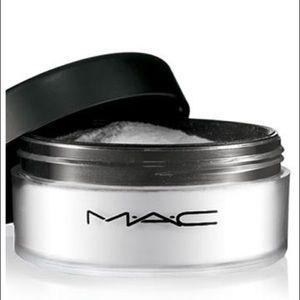 MAC Prep and Prime Finishing Powder